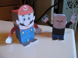 Mario et Steve Jobs papercrafts